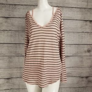 Two by Vince Camuto Cut outs Top Long Sleeve tee M